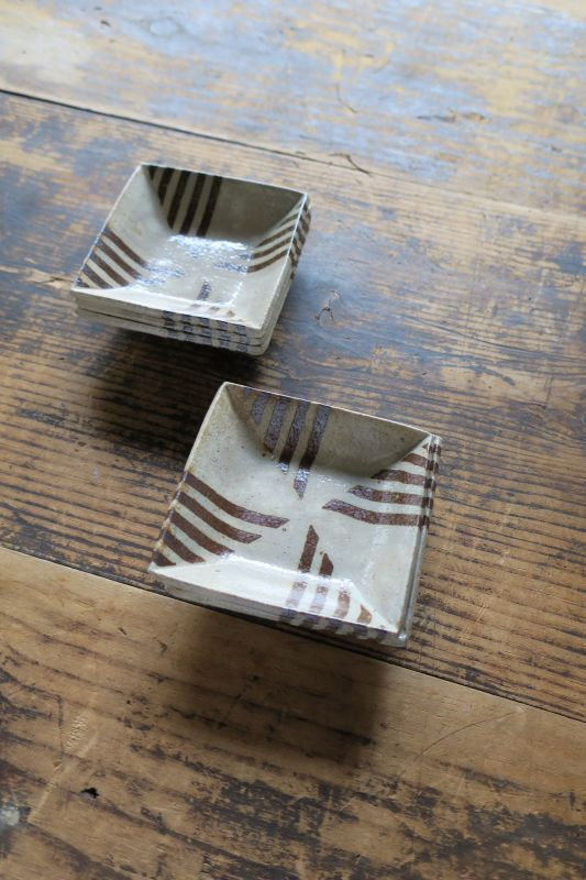 画像1: 牧谷窯 杉本義訓 練りこみ角鉢(小)