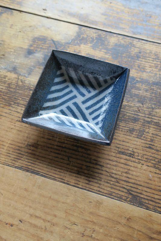 画像1: 牧谷窯 杉本義訓 練りこみ角鉢(中)