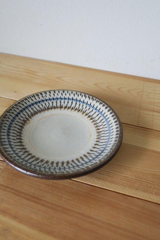 画像1: 小代焼ふもと窯 4寸皿(飛びかんな)