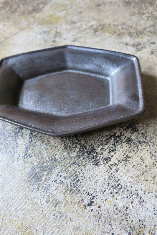 画像1: 安部太一 黒釉六角皿