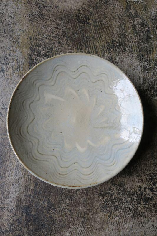 画像1: 前野直史 白掛櫛目皿 8寸 1
