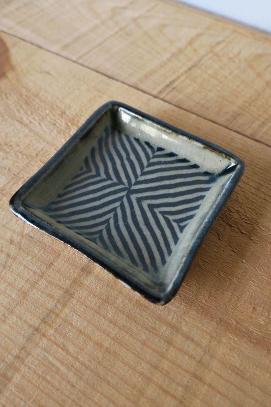 画像1: 掛谷康樹 練上手角皿(3寸)